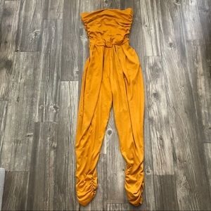 NWOT Burnt Orange jumpsuit✨